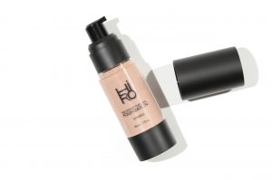 HIRO-No-Doubt-Natural-Foundation-Daniels_white-scaled-1-300x200.jpg