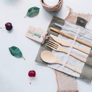 bestick-set-i-ekologisk-bambu-bambaw-cutlery-set-5-delar-2-300x300.jpeg