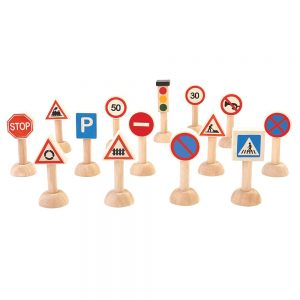 trafikskyltar-i-tra-for-smabilar-set-om-14-st-1-300x300.jpeg